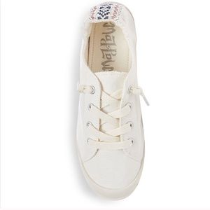 Mad Love White Lennie Slip On Sneakers 8W